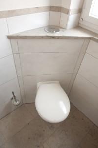 WC Keramik-Naturstein-Kombination