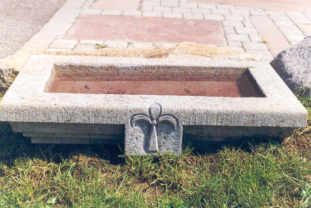 Brunnen Und Planztröge Natursteine Hirneise