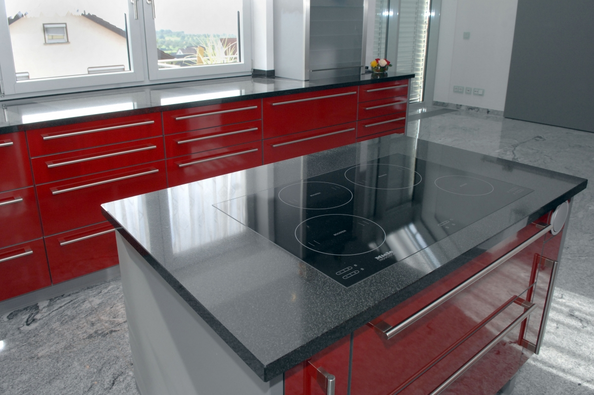kochfeld einbau natursteine hirneise. Black Bedroom Furniture Sets. Home Design Ideas