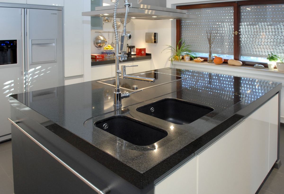 kochinseln natursteine hirneise. Black Bedroom Furniture Sets. Home Design Ideas