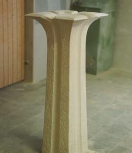 Brunnenstele aus Jura Kalkstein
