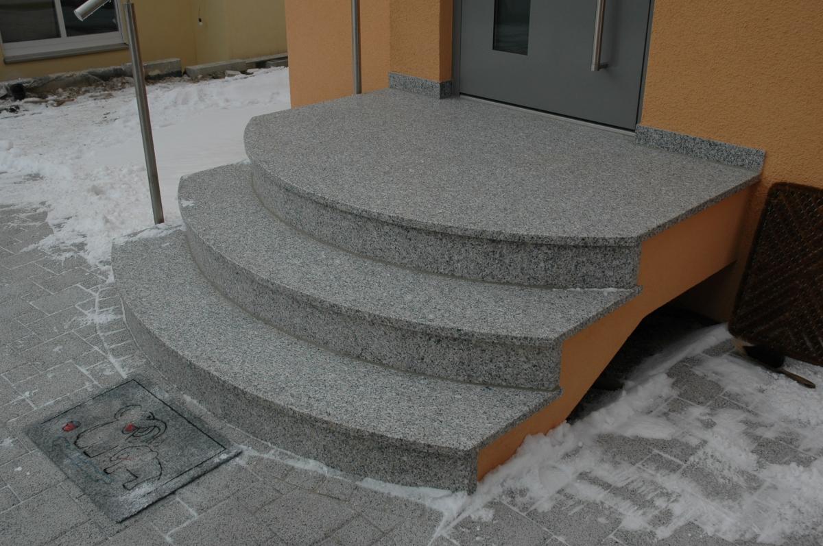 beste von treppe hauseingang haus design ideen. Black Bedroom Furniture Sets. Home Design Ideas